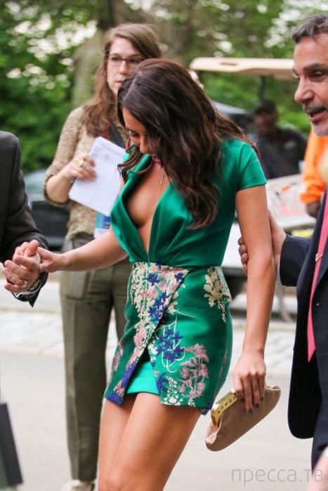 Самые странные наряды знаменитостей на минувшей неделе (12 фото)