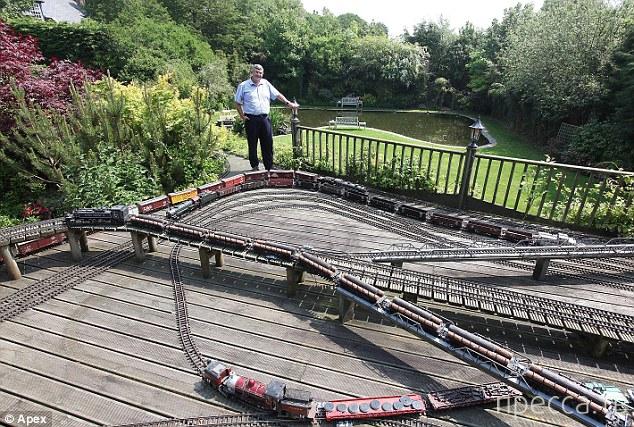 Железная дорога за миллион долларов (5 фото)