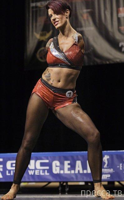 Невероятная женщина Барби Томас – культуристка без рук (14 фото)
