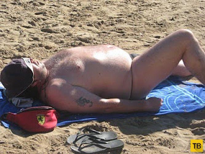 Скоро на всех курортах мира! Мужчины с животиком (31 фото)