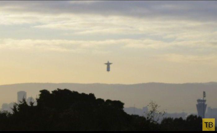 Необычная статуя Иисуса Христа в Рио-де-Жанейро (6 фото)