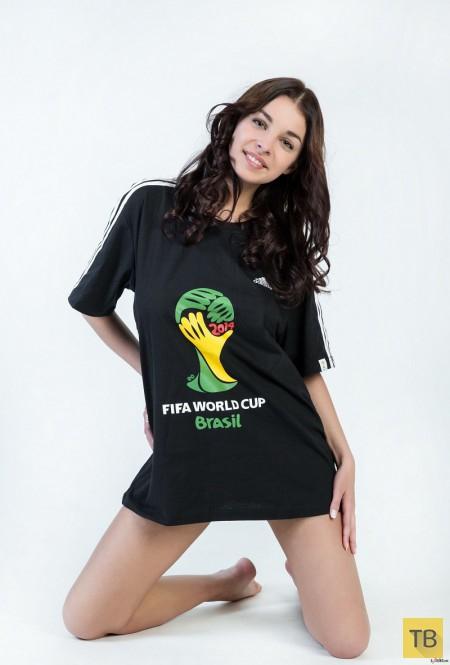Очаровательная футбольная фанатка (18 фото)