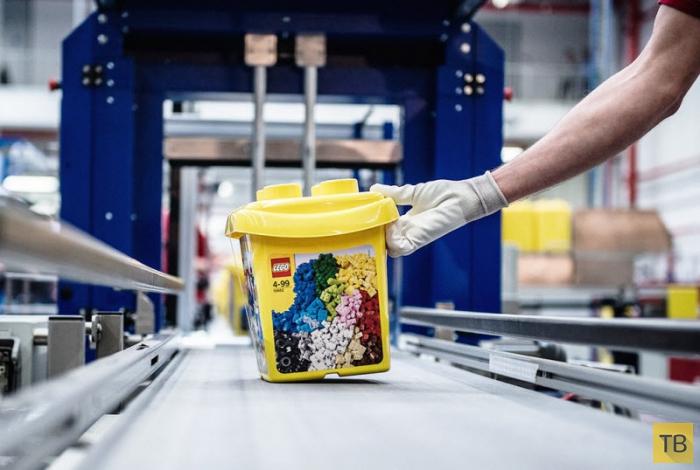 Как производят конструктор LEGO (15 фото)