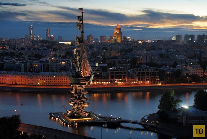 Памятник Петру Первому в Москве (10 фото)