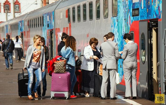 """Двухэтажный поезд """"Москва — Адлер"""" (31 фото)"""