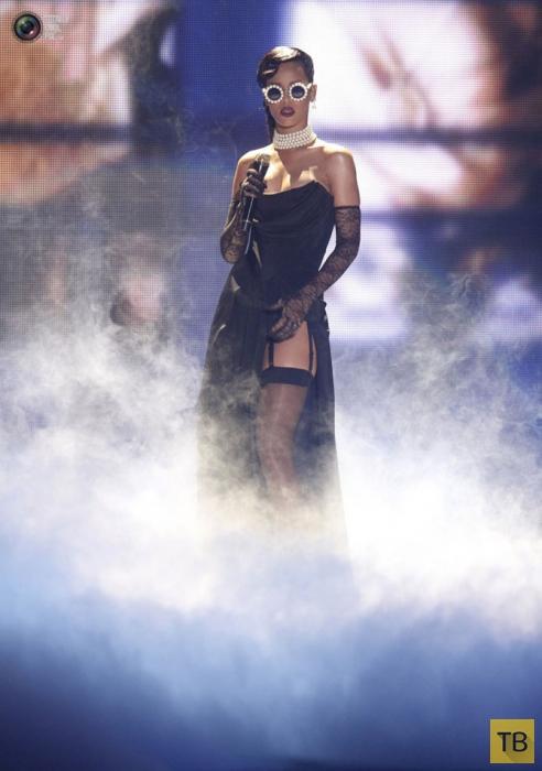 Икона стиля - певица Рианна (28 фото)