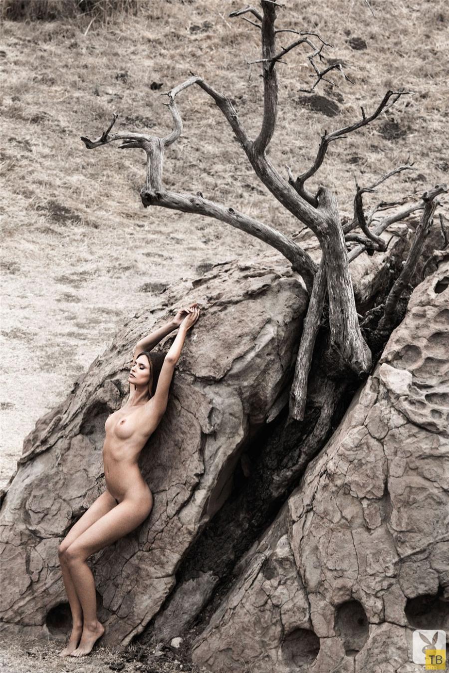(18+) «Привет, красотка!»– Бьянка Балти в журнале Playboy, июль-август 2014 (10 фото + видео)