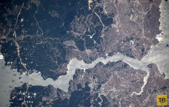 Космонавт постит фотографии прямо с орбиты (17 фото)