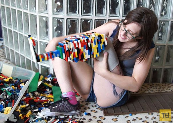 Люди с недостатком конечностей, но не чувства юмора (12 фото)