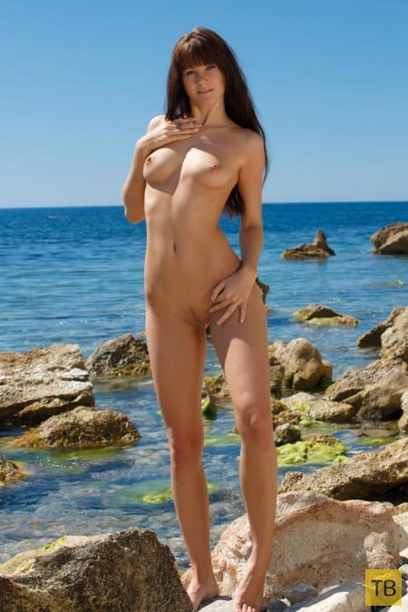 Девушка с шикарной фигурой (16 фото)