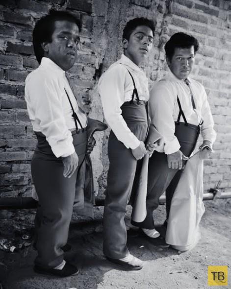Мексиканские карлики-тореадоры (16 фото)