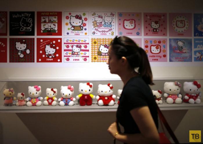 Выставка в честь 40-летия «Hello Kitty» в Лос-Анджелесе (20 фото)