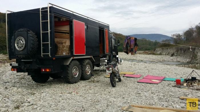 Дом на колесах в КАМАЗе (28 фото + видео)