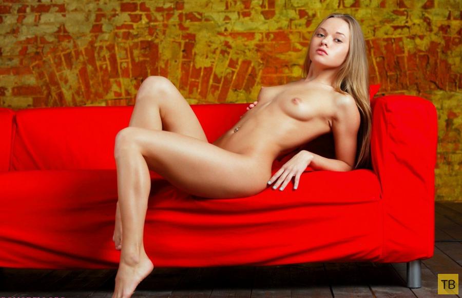 Худенькая студентка с маленькой грудью (17 фото)