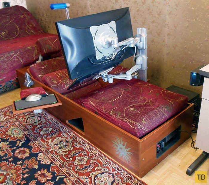 Шезлонг с компьютером (4 фото)