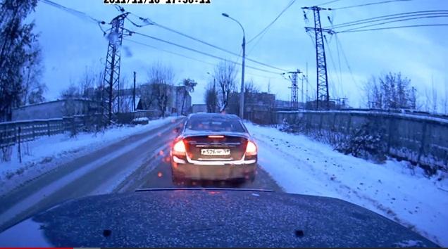 г. Пермь, обьезд пробки по встречке закончился ДТП