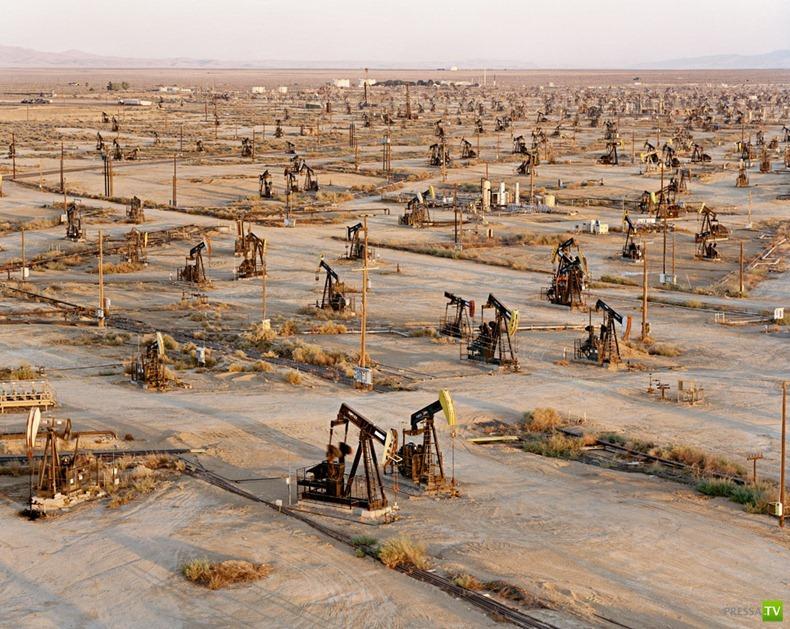 Индустриальные пейзажи канадского фотографа Edward Burtynsky (15 фото)