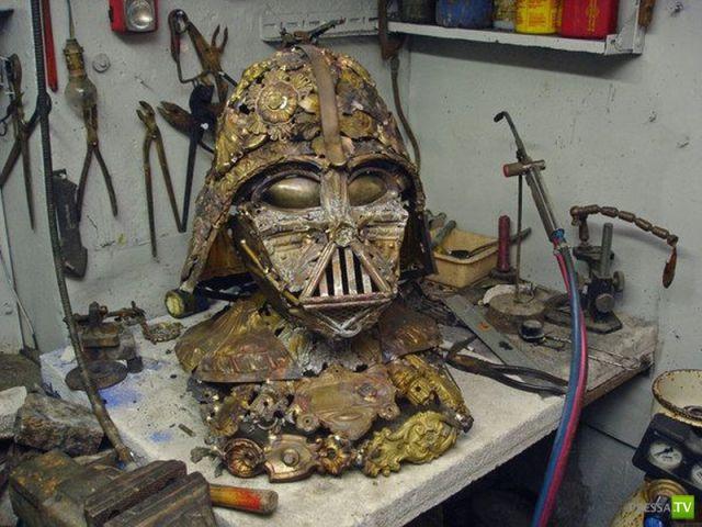 Скульптура Дарта Вейдера из железного хлама (9 фото)