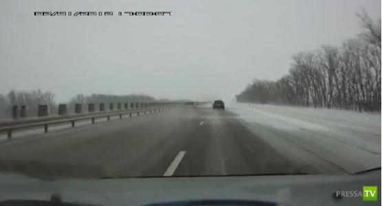 Хендай Акцент понесло на снежной каше