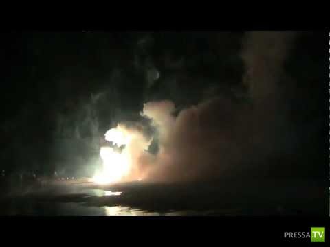 Мощный фейерверк начал взрываться на земле