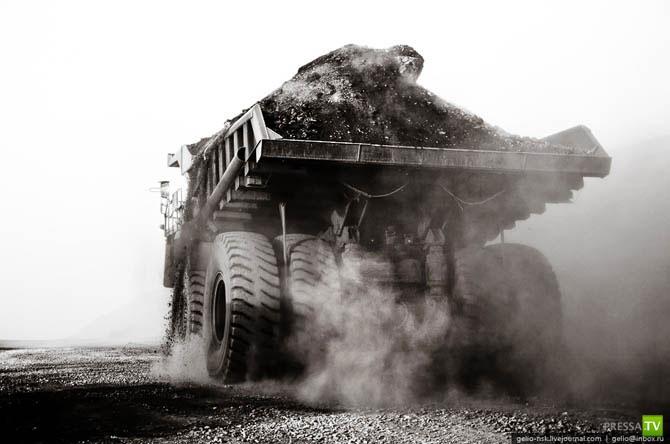 Самый большой грузовик в России и СНГ (38 фото)
