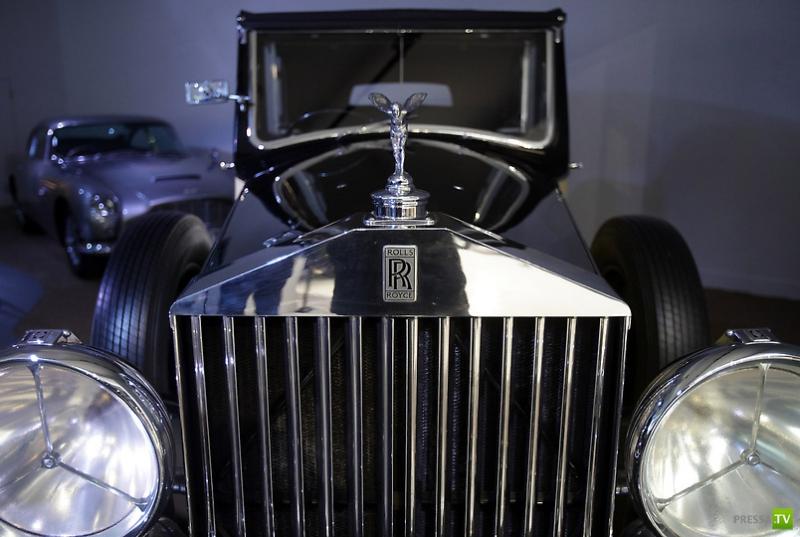Выставка «Автомобили Джеймса Бонда» (38 фото)