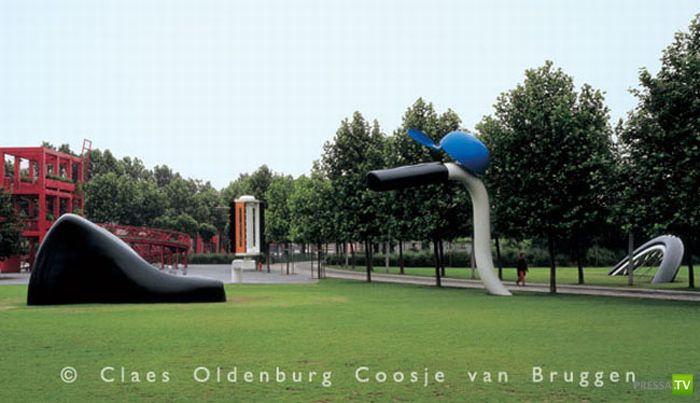 Большие и необычные скульптуры мира (35 фото)