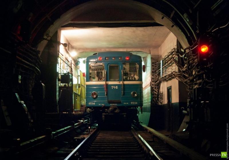 Петербургское метро (38 фото)