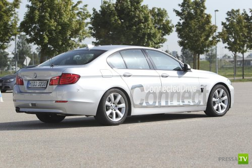 На дорогах Германии появился первый автомобиль-робот BMW, способный передвигаться полностью самостоятельно.