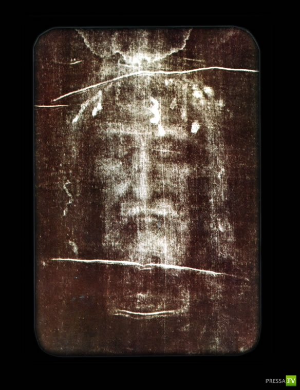 the significance of the shroud of turin to christianity Waldemar januszczak attempts to decode the hidden meaning in much of the early christian imagery found all around christendom turin shroud image.
