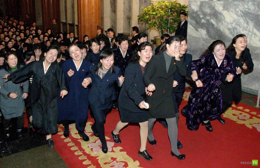 """В КНДР прошли """"народные суды"""" над теми, кто не плакал по Ким Чен Иру"""