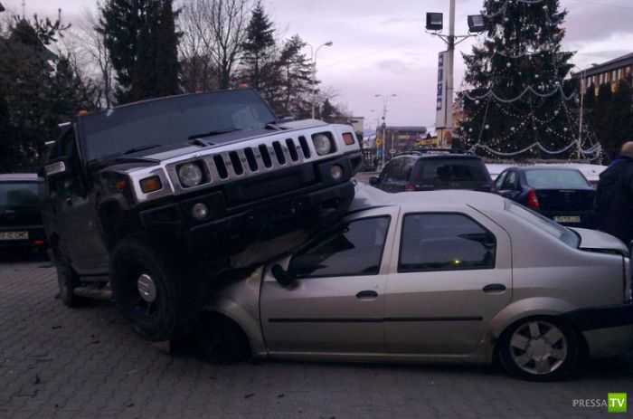 Hummer H2 припарковался (2 фото)