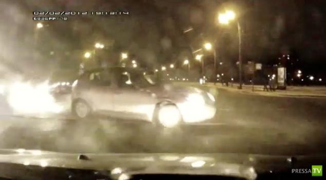 Авария на перекрестке ул. Кораблестроителей и ул. Наличной г. Санкт Петербург