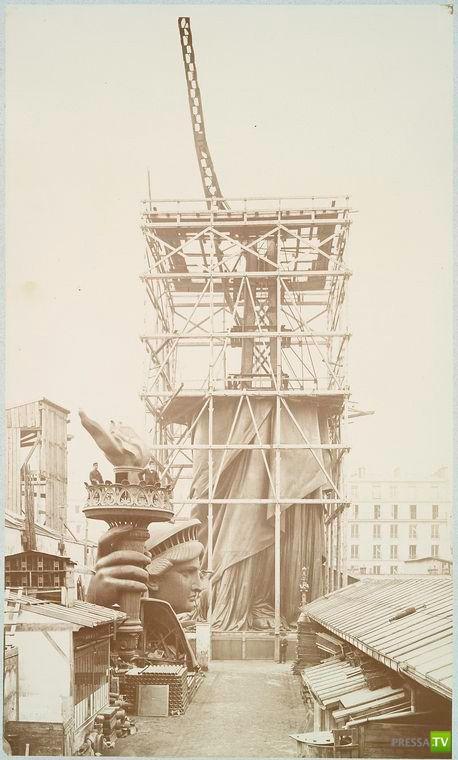 Строительство Статуи Свободы (8 фото)