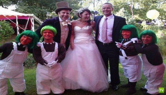 Ну, очень необычные свадьбы (25 фото)