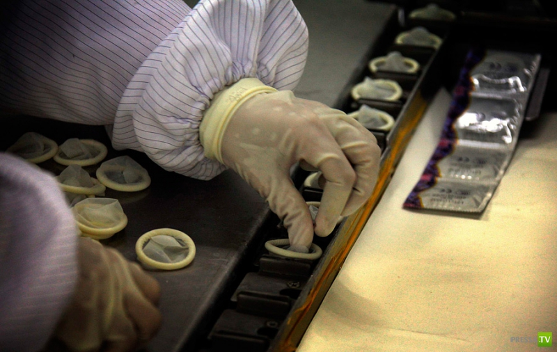 Производство презервативов в Китае