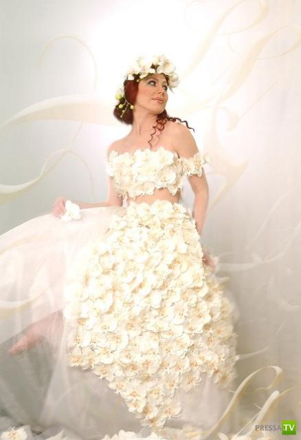 Платья из живых цветов...