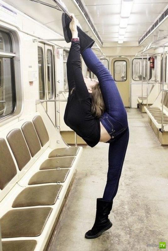 """Фотожабы """"Гимнастка в метро"""""""