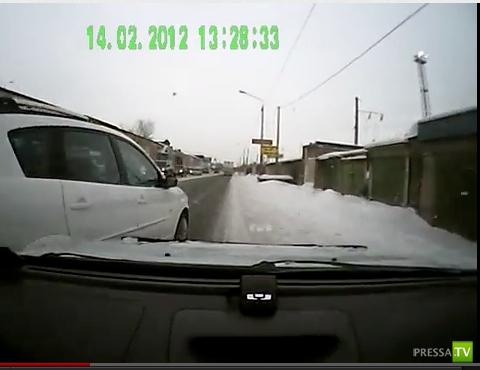 Авария на ул. Симафорная г. Красноярск