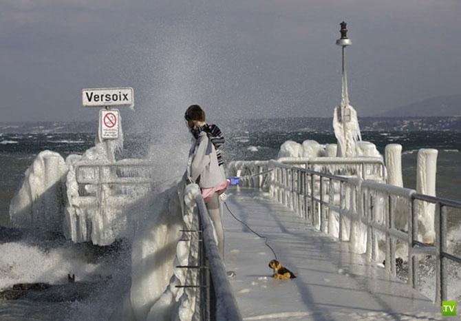 Ледяные скульптуры на Женевском озере ...
