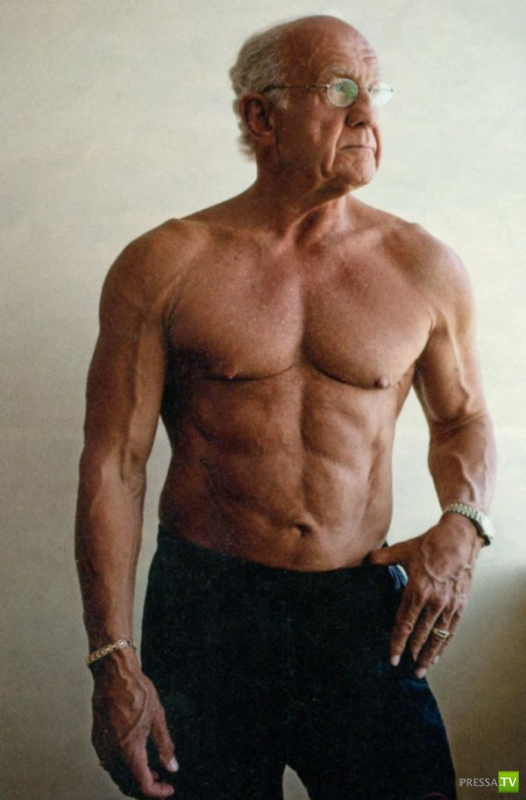 72-летний врач Джеффри Лайф ...