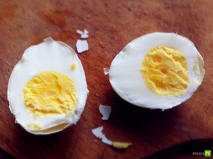 Как очень быстро очистить яйцо... (6 фото)