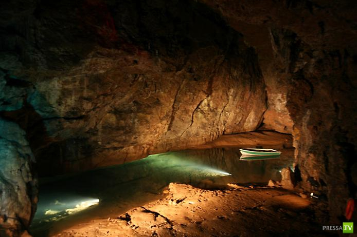 Пещеры Вуки-Хоул в Великобритании (18 фото)