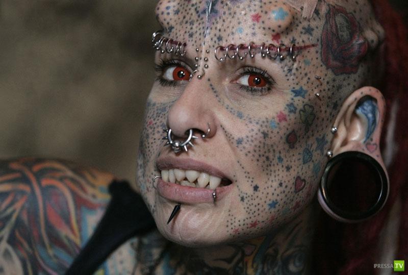Обычная жизнь женщины-вампира ... (23 фото)