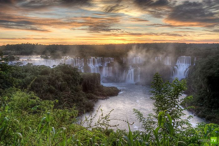 Удивительные Водопады Игуасу (15 фото)