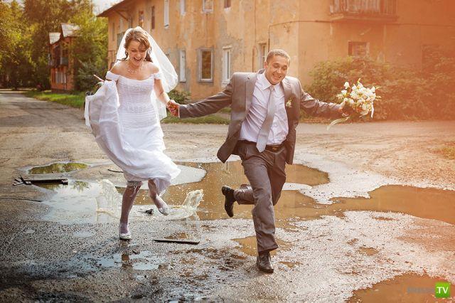 Необычные свадебные фотографии (14 фото)
