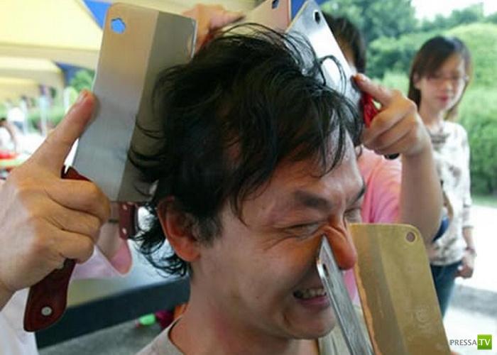 Китайский массаж под лезвием ножа (4 фото)