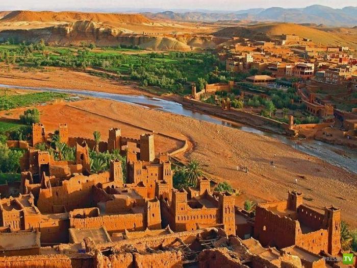 Айт-Бен-Хадду-ксар (укреплённый город) в южном Марокко (3 фото)