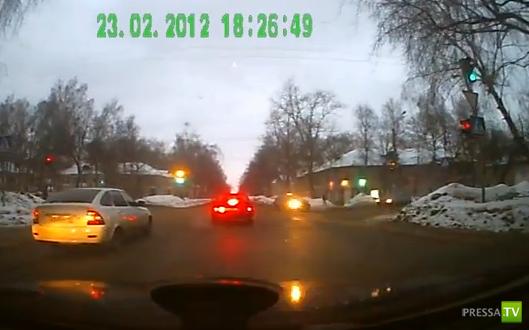 Авария на перекрестке в Саранске (Мордовия)