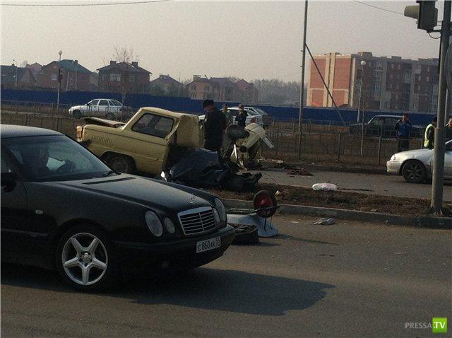 Авария на перекрестке в Омске...